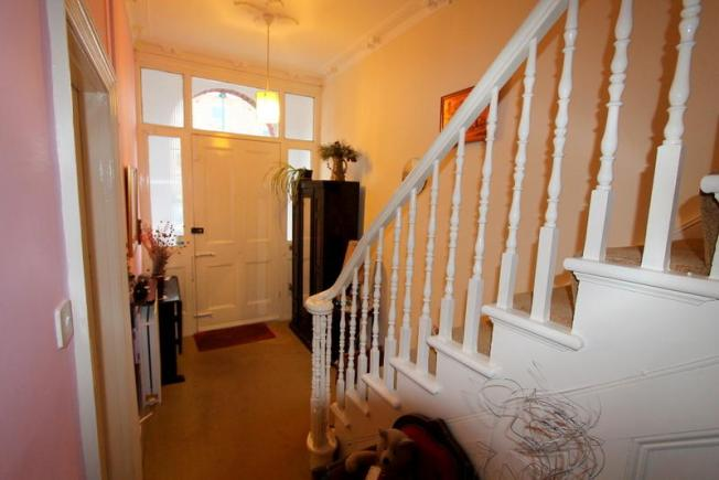 victorian_property_downstairs_hall